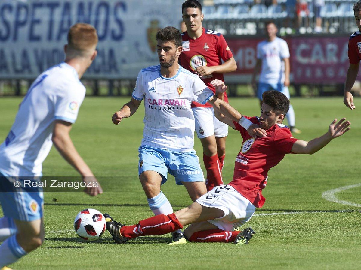 Una jugada del Deportivo Aragón-Atlético Monzón (Foto: RZ).