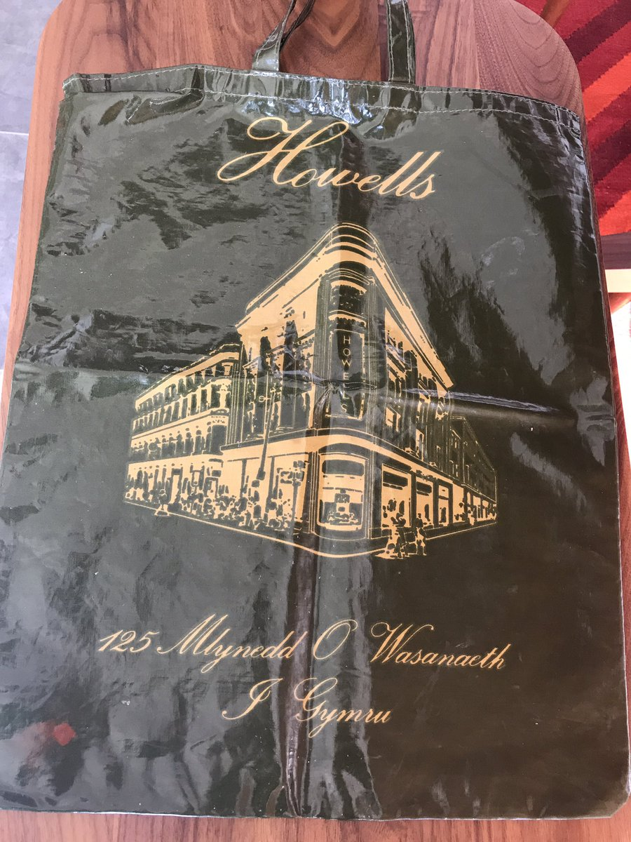 Found a slice of shopping history thanks to my Gran - #Howells Cardiff in happier times! Trendsetting the bag for life too @houseoffraser #ShoppingAntique<br>http://pic.twitter.com/wSuGm9hbZO
