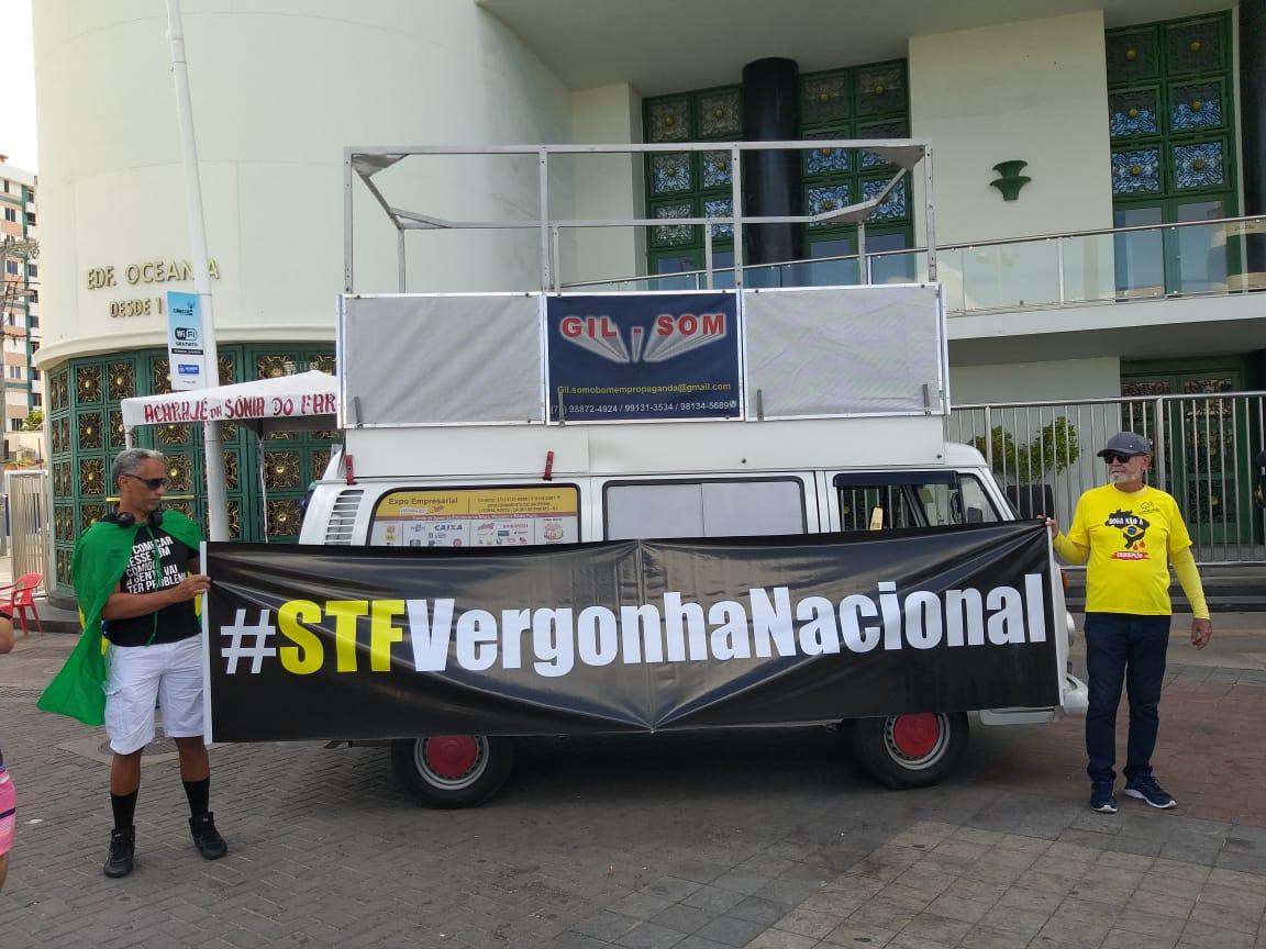 Aline Falcão's photo on #Dia17nasRUAS