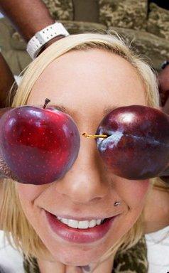 слива или яблоко прикол фото если