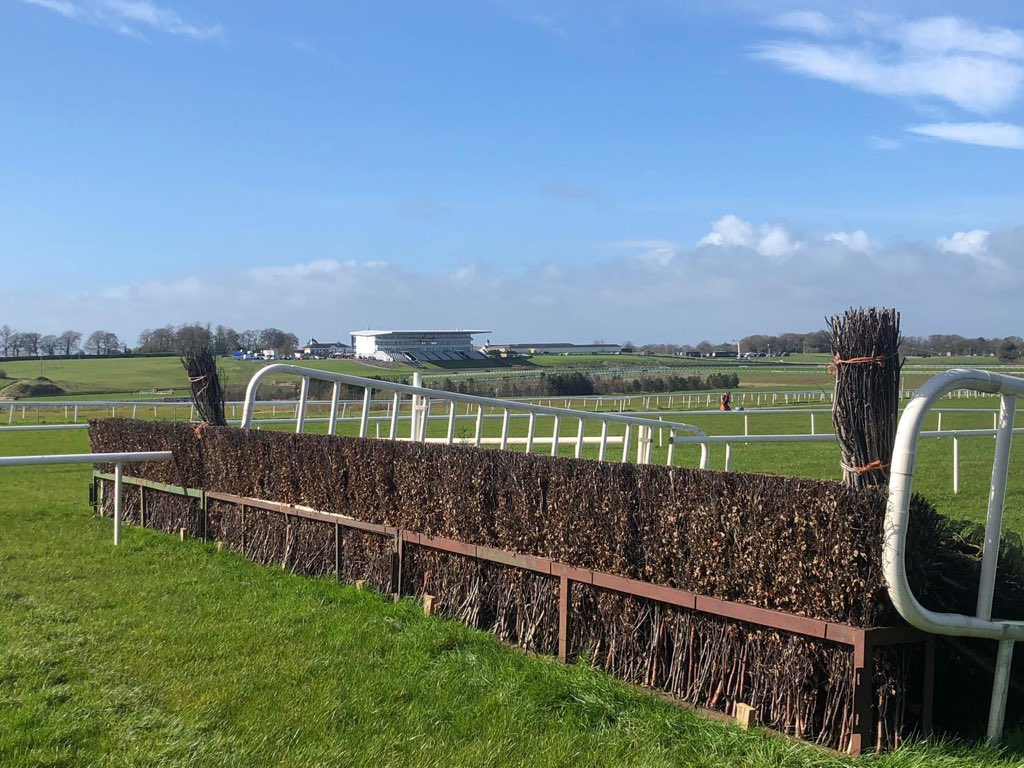 test Twitter Media - Blue skies ahead of Day 2 here @LimerickRaces today - doesn't the place look fantastic from our outfield camera position?! Happy St Patrick's Day ☘️🐎 https://t.co/76ouUS6Gfr