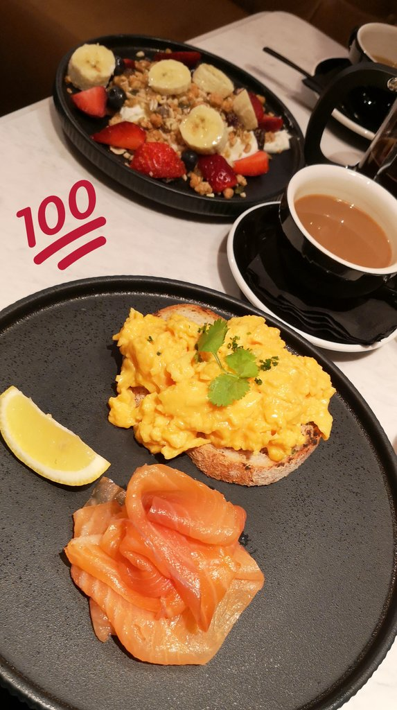 Look at this absolute banger of a brekkie! Brilliant little find @vintryandmercer !! 🇬🇧 #London   Got me thinking about our #BLASTProSeries #saopaulo 🇧🇷 adventure this week (woooooooo!), what's the customary local cuisine I gotta try??  JUST GIMME ALL THEM BRAZILIAN EATS!!! 😋🤪