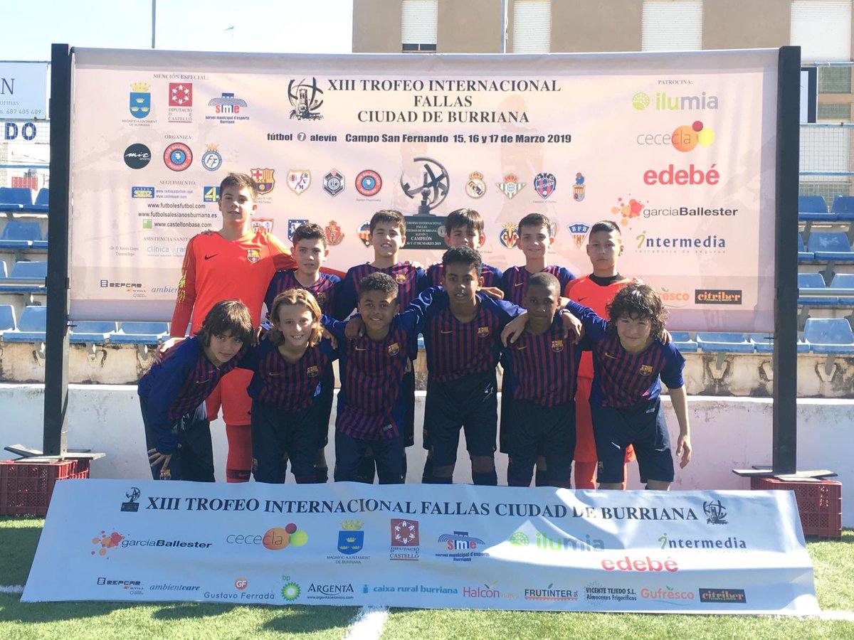 🏆 Torneig de Falles 📍 Borriana  ➡️ Semifinals ⚽️ Aleví A - Vila-real (1-1)  👉 Perdut 7-8 als penals  ➡️ Tercer i quart lloc ⚽️ Aleví A - Betis (4-1) 👍 Tercers!! 👏 Bon torneig equip!!  #FCBMasia