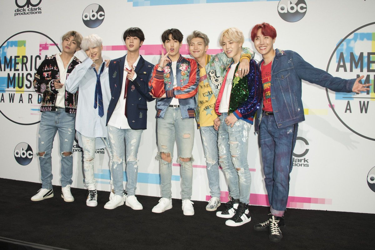 .@nbcsnl is Bringing in Some Incredible Guests like #BTS  https:// buff.ly/2T4g7MH  &nbsp;  <br>http://pic.twitter.com/FUV4aEXE9v