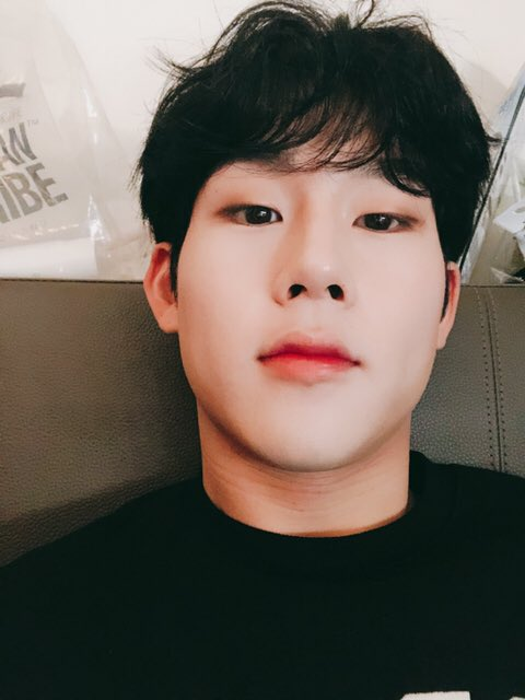 190317 MX Talk Tok  [MONSTAX_JH] Monbebe thank you all for your hard work I love you~  Dream of me~~ (You're) the best!!^^ <br>http://pic.twitter.com/ouacQx1G9y