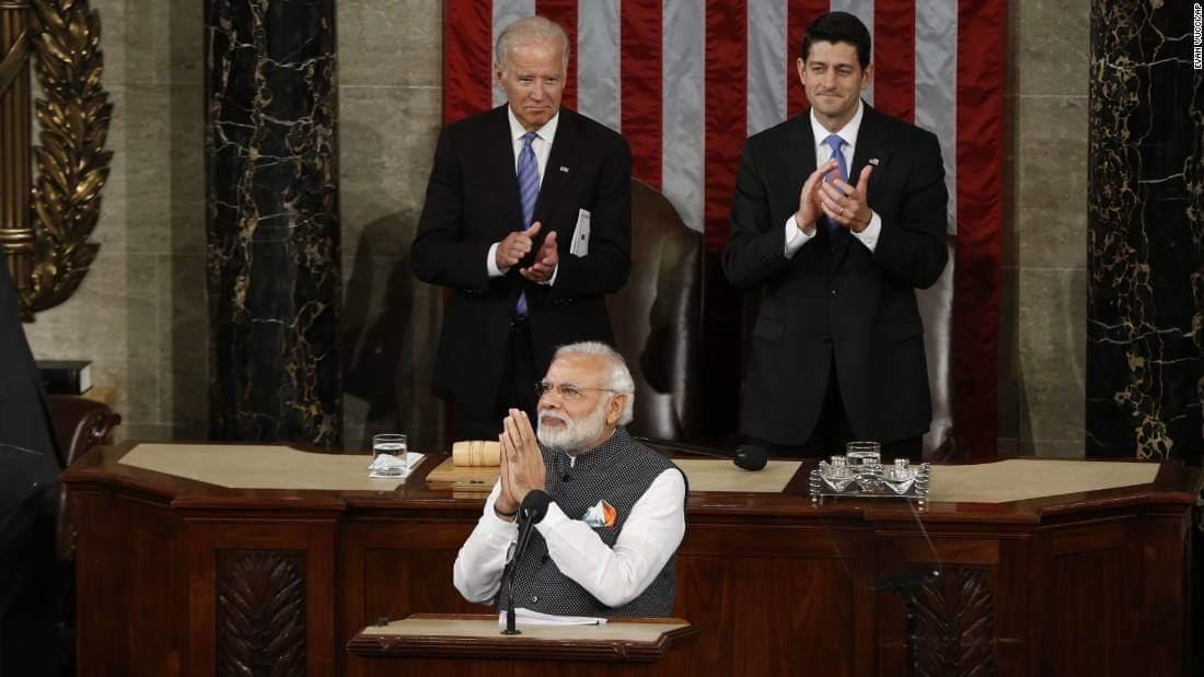 08 June 2016 : PM Modi acknowledges the standing ovation of US senators. <br>http://pic.twitter.com/JExBle8hjz