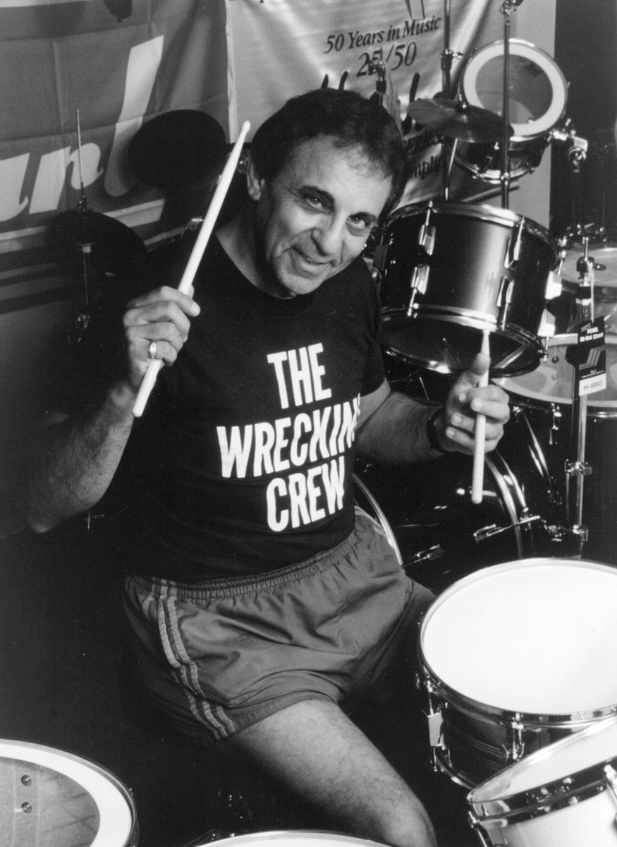 #NowPlaying: #TheByrds - Mr. Tambourine Man  #ClassicRock #Byrds #HalBlaine #Drums #WreckingCrew #DeepTracks   #Listen at  https:// tunein.com/radio/DEEP-NUG GETS-s165494/ &nbsp; …   @RogerMcGuinn   The #SundayDrive on @DeepNuggets #Radio - #RockOn!<br>http://pic.twitter.com/lollQ7v6dU
