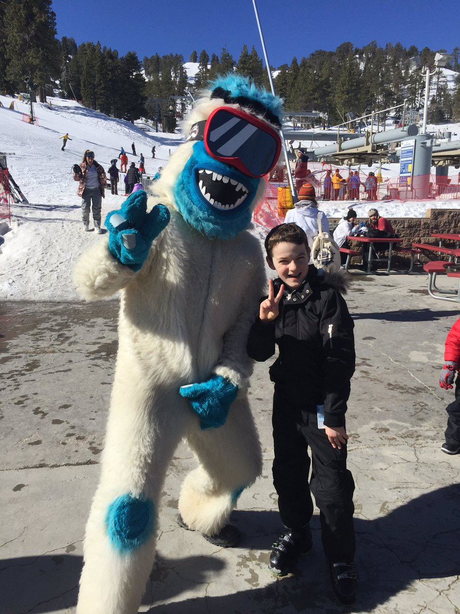 Skiing w/ the #yeti @mthigh