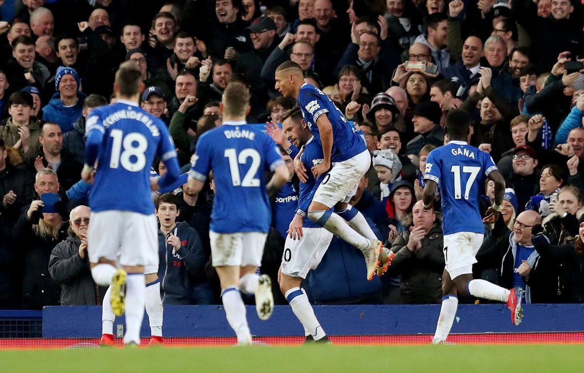 FULL-TIME Everton 2-0 Chelsea  A brilliant second half display from Everton with Richarlison and Gylfi Sigurdsson getting on the scoresheet  #EVECHE