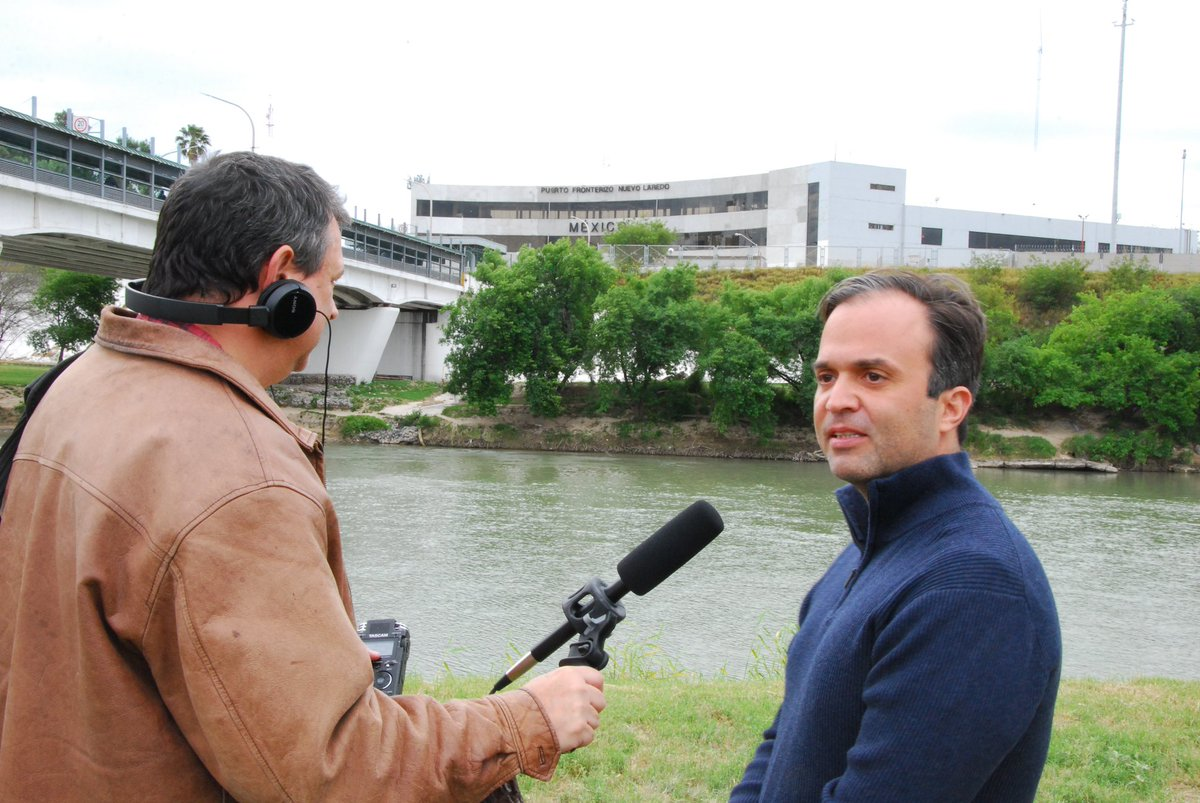 Laredo businessman &amp; lifelong resident Sergio Mora on Trump&#39;s #FakeEmergency:  &quot;The emergency declaration is slanderous to our community. We&#39;re standing on the riverbank--on the border--it&#39;s a beautiful, peaceful morning. There&#39;s no emergency here.&quot;  #BorderViews, Laredo, TX<br>http://pic.twitter.com/qVIj8Ybr1a