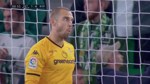 Tu cara cuando dicen que Messi no es el mejor jugador de la historia🐐