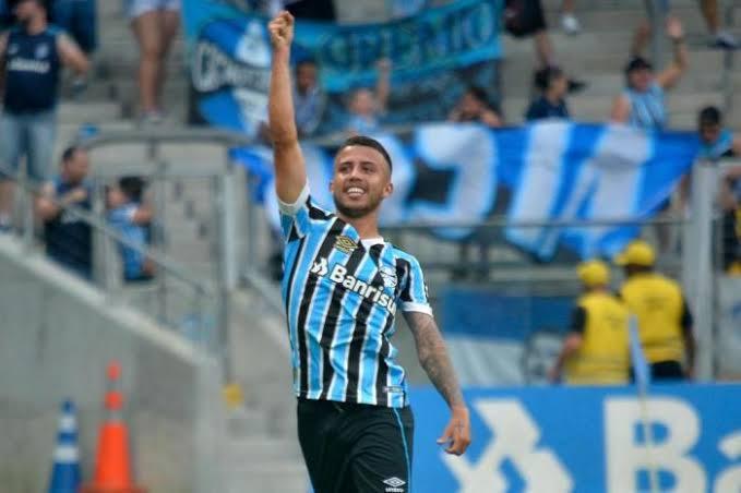 RT @OttoVeio: Impressionante, o Matheus Henrique joga exatamente o que a imprensa gostaria que o Nonato jogasse. https://t.co/apLv3lgMFY