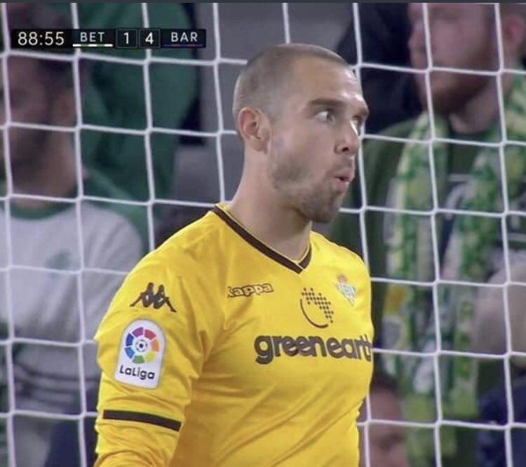 Som I Serem FCB's photo on Pau López