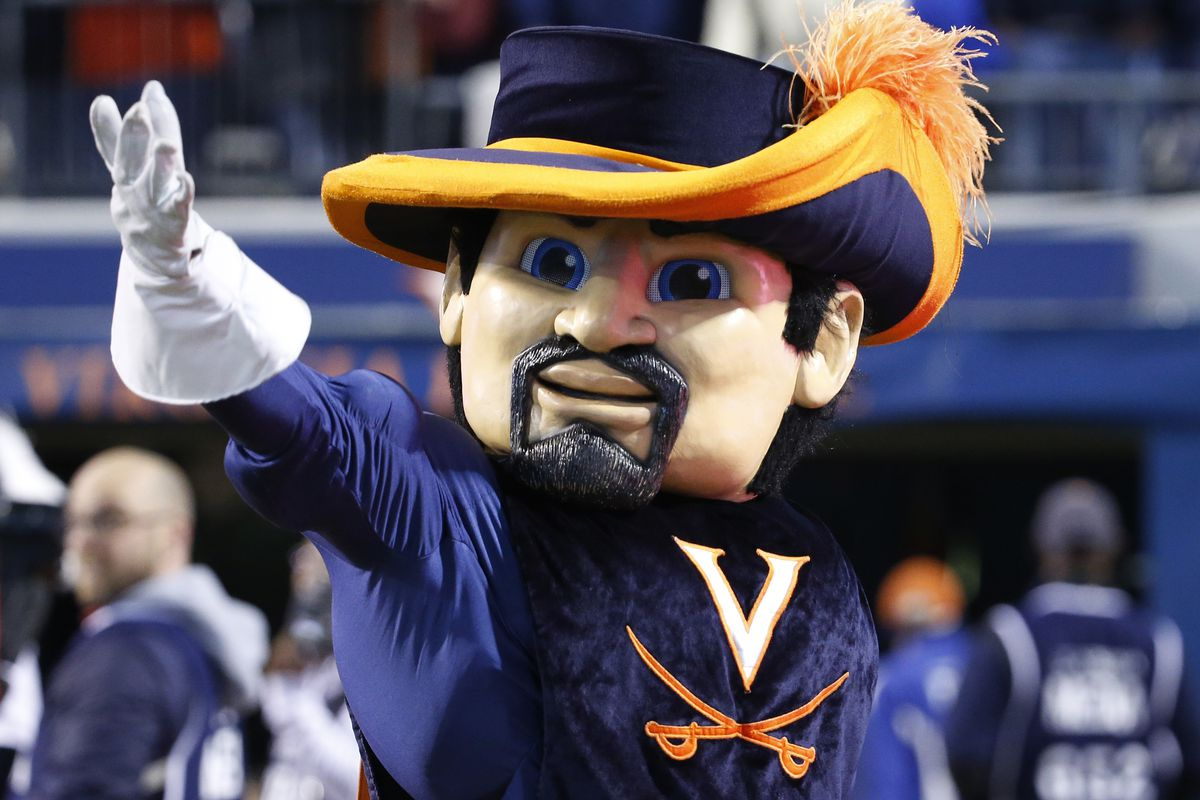 RT @DukeManiacs: This just in... Luke Maye was just hired as UVA's mascot when he graduates from UNC https://t.co/SeCgCRwapn
