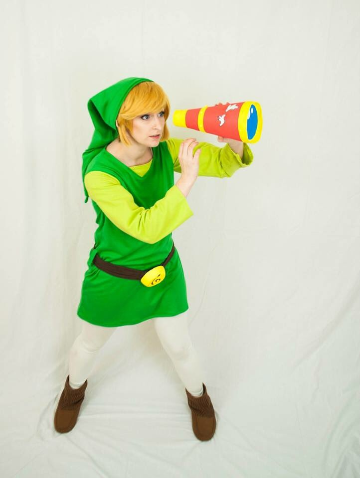 Happy St. Patrick's Day! I love seeing all the green cosplay posts today! Here's my windwaker Link. <br>http://pic.twitter.com/qJ7caKFkZU