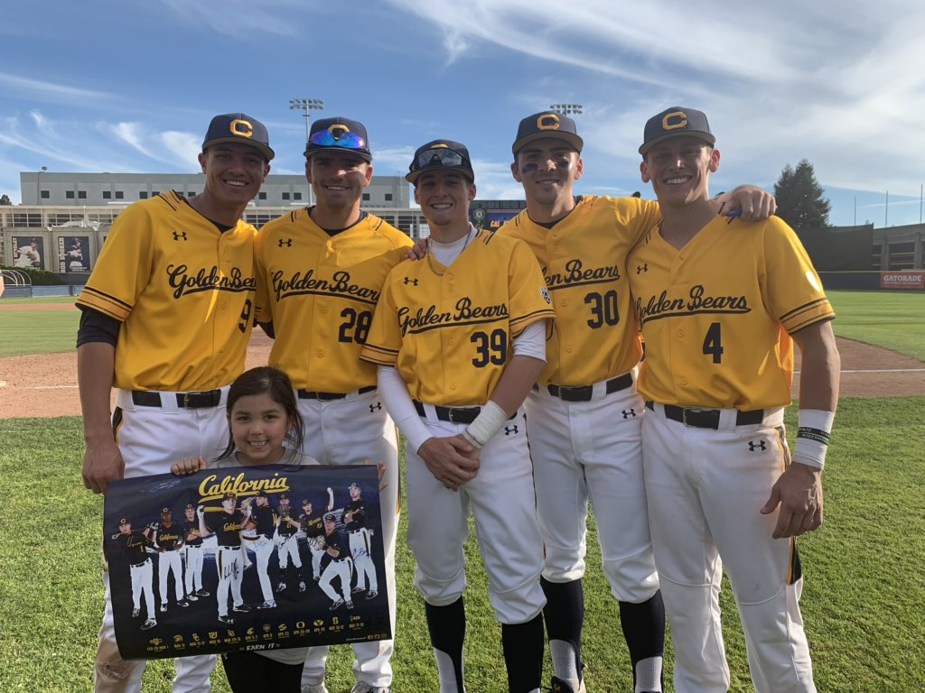 563c395939c Greeted a few friends after the game. Thanks to everyone who came out to  the ballpark this weekend! #CalBaseballpic.twitter.com/plFjjnK4og