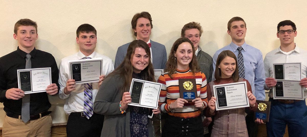 Congrats to all of our District 7 academic &amp; athletic participants on your recognition tonight! Well deserved by all. @AW_LadyGenerals #HardWorkPaysOff  #GreatKids #BluePride <br>http://pic.twitter.com/bS87sOjnt3