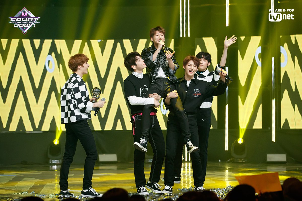 [#MCOUNTDOWN] Ep.610|No.1 of the week! #TOMORROW_X_TOGETHER - #CROWN ♪ World No.1 KPOP Chart Show M COUNTDOWN #Mnet https://t.co/fkGeNNcMRg
