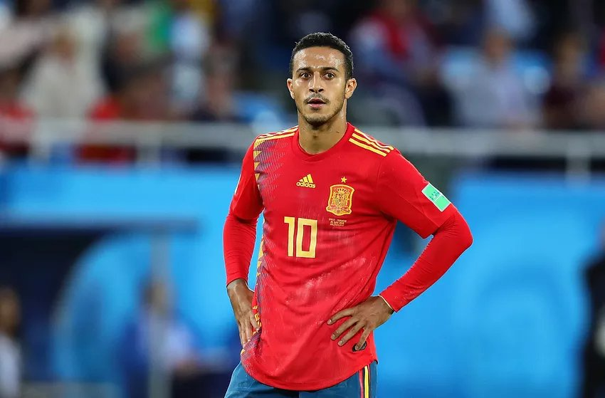 Thiago on not being called up to Spain squad: &quot;I respect every decision made by the coach. I&#39;ve always been proud to play for my country&quot; [Spox &amp; Goal] <br>http://pic.twitter.com/JL0kIizahq
