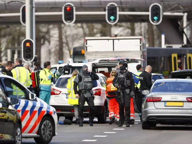 Multiple injured after shooting on tram in #Dutchcity of #Utrecht  - http://bit.ly/2FeYk0j