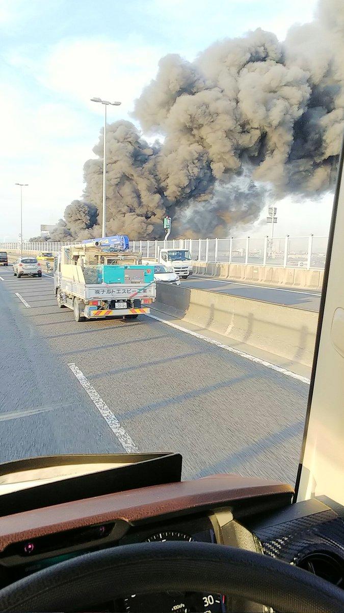 岸和田市新港町の工場で火事の現場画像