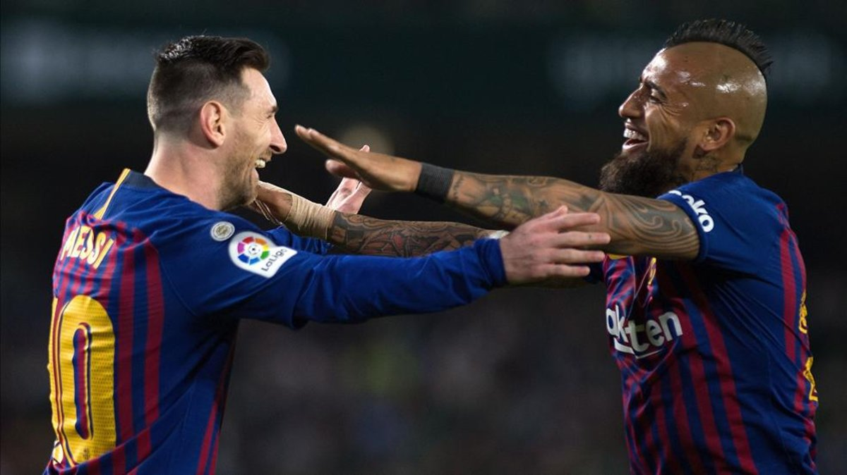 "Arturo Vidal: ""The talent that Messi has will not be seen anymore."" [via sport]"