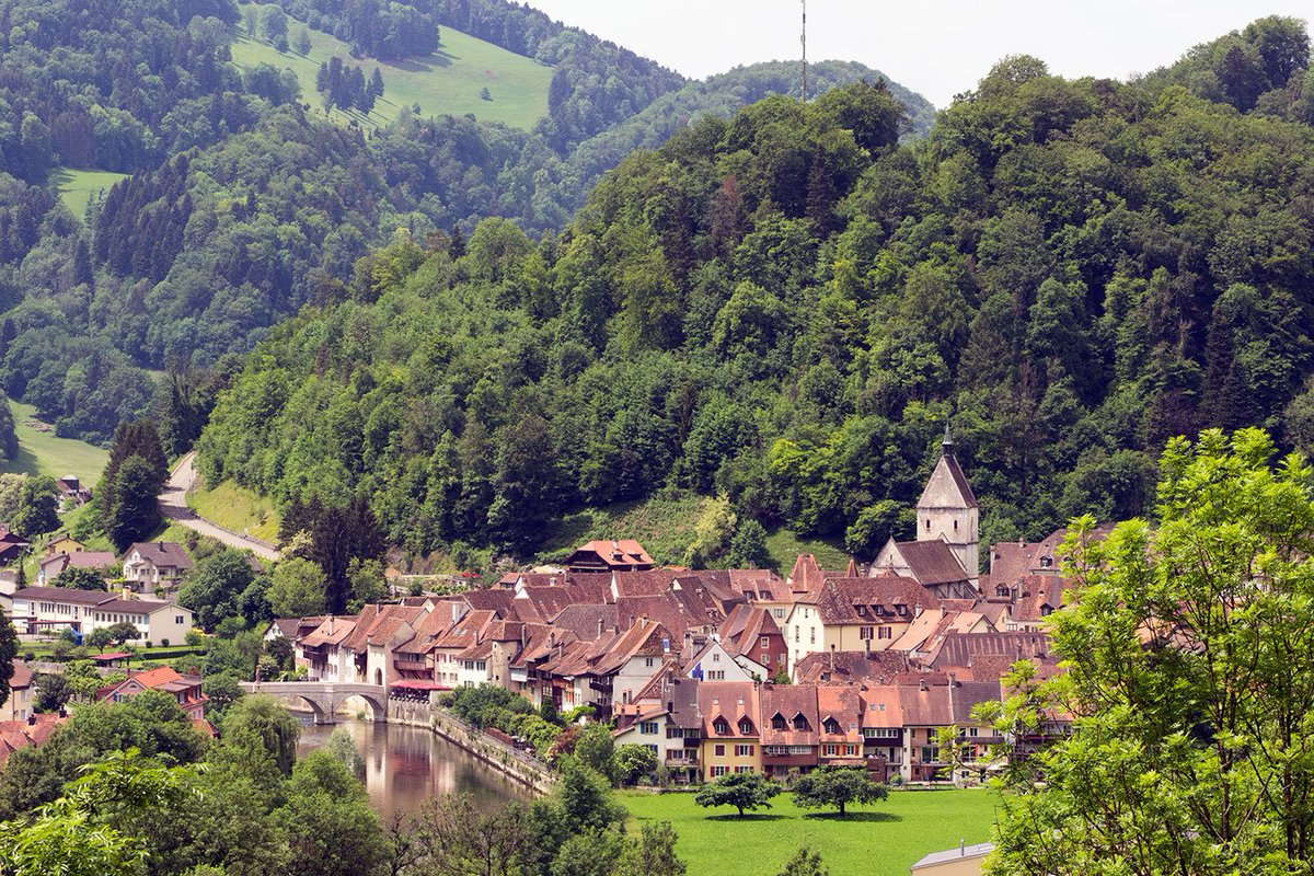 The Canton of #Jura (@CantonduJura) celebrates its 40th birthday in 2019, and for hidden europe 57 we paid a visit to Saint-Ursanne by the River Doubs, one of the most appealing of the villages in the region. @Jura3lakes  https://www.hiddeneurope.co.uk/the-village-of-saint-ursanne …  Photo © hidden europepic.twitter.com/gRaHOgOeam