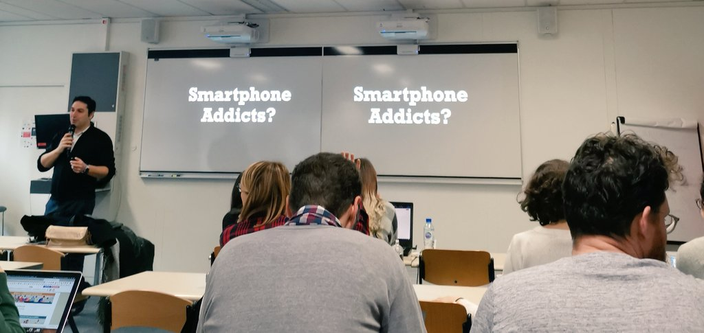 Êtes-vous smartphone addicts? @alexjubien fait partager le monde totally #mobile aux étudiants du  #MBAMCI #mobilefirst #MarketingDigital #MobileApp #Mobilediary #mobilenative – at Pôle Universitaire Léonard De Vinci
