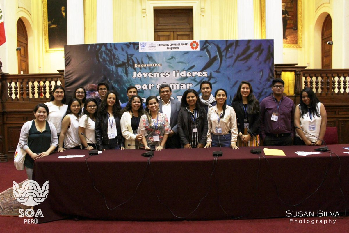 "Young Conservations in #Peru taking part in ""First Young leaders from the Tropical Pacific Sea Meeting"" organised by the @SustainableOceansAlliancePeru Mariella Scarpati from #PeruMobulidProject spoke about #mantaray #conservation.  #oceanguardians #education  Photo: Susan Silva<br>http://pic.twitter.com/MIy2jZkT57"