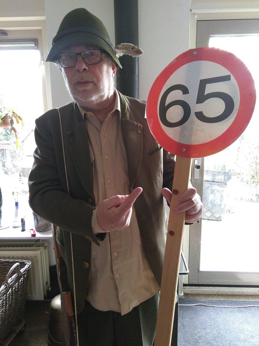 #goedpensioen Harry is er helemaal klaar voor. Arnhem we komen er aan.