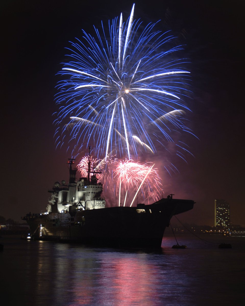 To mark the 60th Anniversary of The White Ensign Association, a charity serving the @RoyalNavy community, there will be a fireworks display in the Portsmouth tidal basin, between 1940 and 1950 tonight. We hope you enjoy the show! @The_W_E_A #behindthewall""