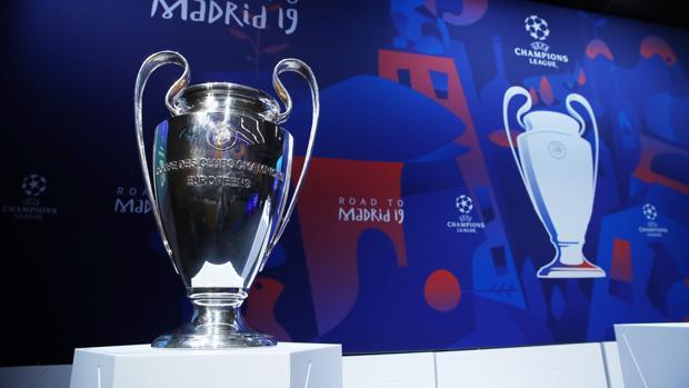 RealEspartaβ's photo on La UEFA