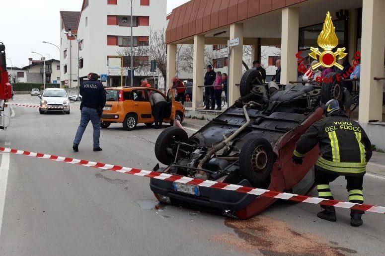 Cavarzano, incidente tra dueauto https://t.co/Z8...