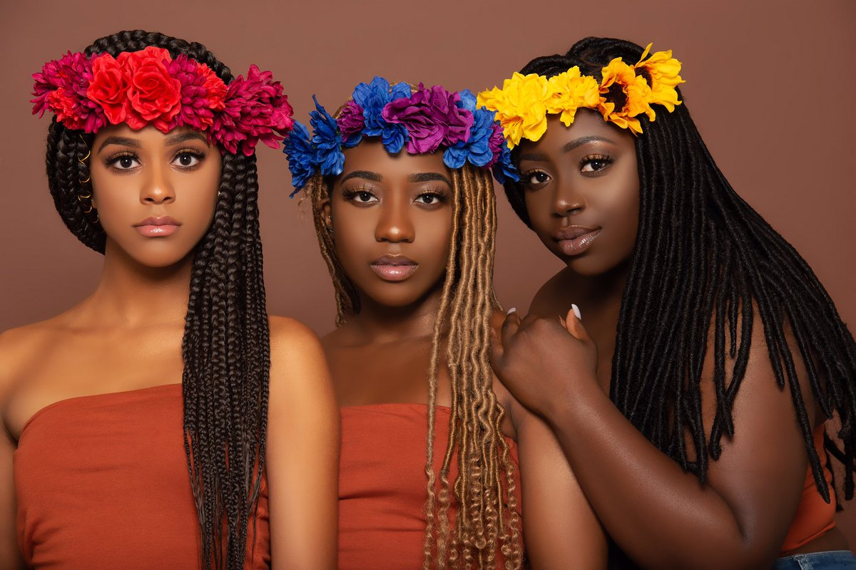 You are Smart You are successful  You are financially stable You are effective  You are unique  You are BEAUTIFUL  #MotivationalQuotes #MotivationalMonday #melaninpoppin #WomensMonth #spring #mondayaffirmations <br>http://pic.twitter.com/kmFmdEwbYw