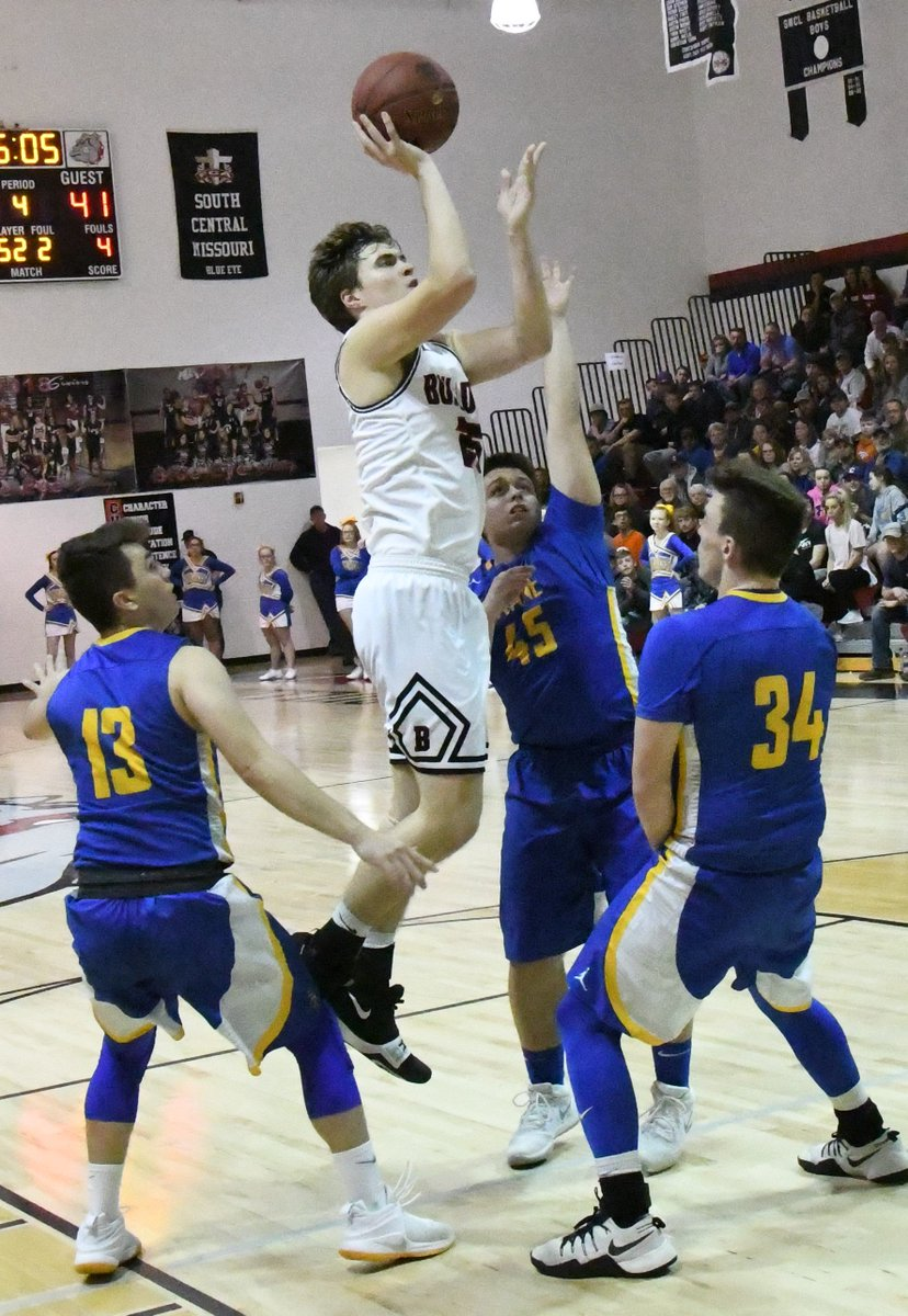 A look back at the season and career for @BlueEyeBball's Andrew Mitchell, the two-time Tri-Lakes Player of the Year for boys' basketball.  Mitchell, Blue Eye a perfect match: Tri-Lakes Player of the Year a dominant force for Bulldogs http://bransontrilakesnews.com/sports_free/article_b34906d8-4747-11e9-befd-2790e3bf576d.html?utm_medium=social&utm_source=twitter&utm_campaign=user-share… via @bransontln