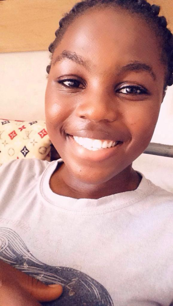 #BrushDayandNight so your teeth becomes snow white like mine. No long talks 😁😆😙😙😙. #WOHD19