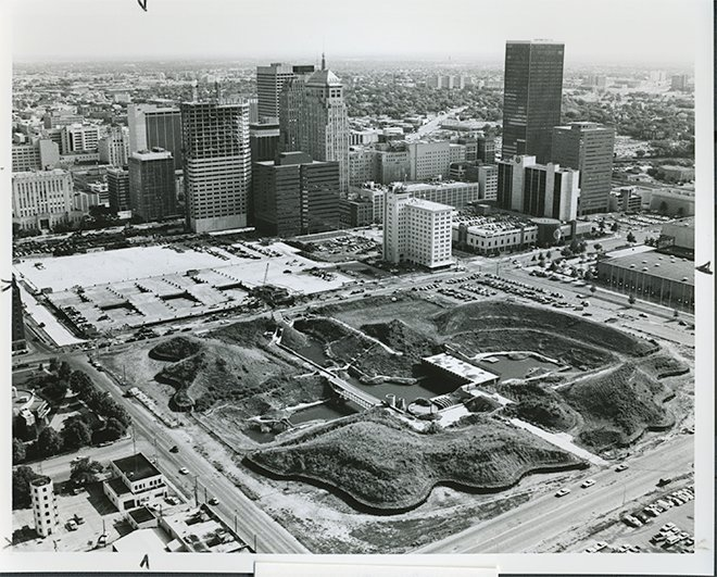 Wowee! The Myriad Gardens turns 31 on Monday, March 25. 🎂We'll offer free admission from 9am-5pm. Here's a brief history timeline 👉 http://bit.ly/MyriadGardensHistory … … We've come a long way! #okc