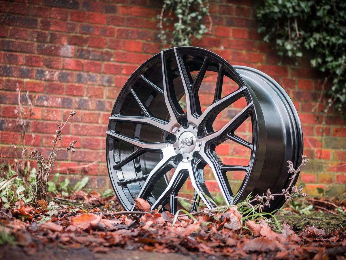 """The ZX11 in Black Polish  Available in 20"""" Staggered  (Most 5 stud fitments)  #1AV #Concave"""