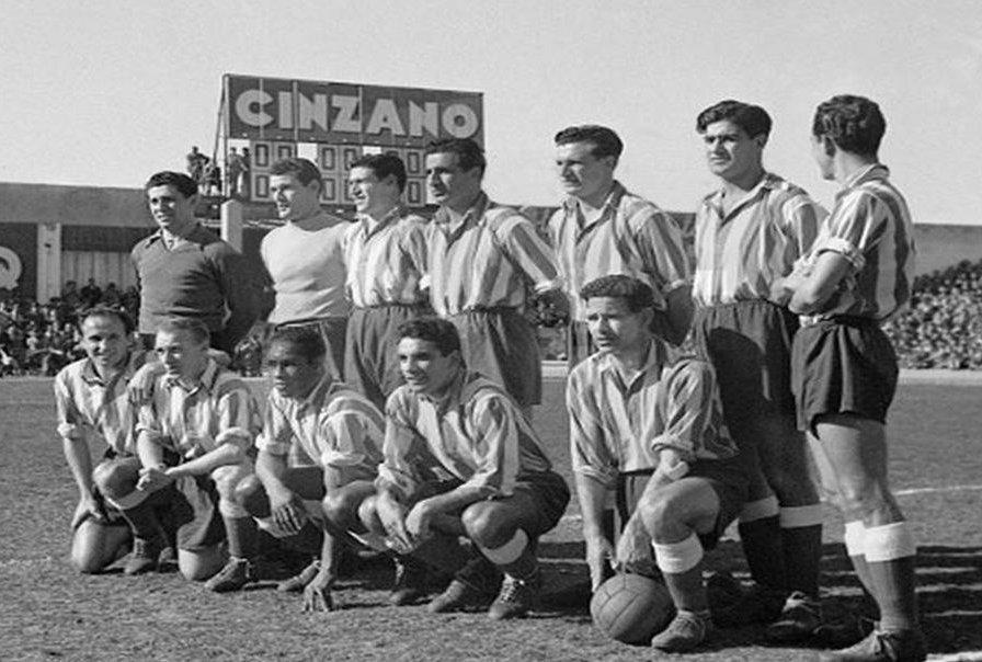 Goleada del @Atleti campeón 🏆 de liga 1950-51 al @realmadrid en el Metropolitano el 18.3.1951, con Dauder(ps), Marcel Domingo, Tinte, Aparicio, Pérez-Payá, Escudero, Mujica, Lozano, Carlsson, Ben Barek, Estruch y Farías. ⚽: Pérez-Payá (2), Tinte y Luciano (pp) #TalDiaComoHoy