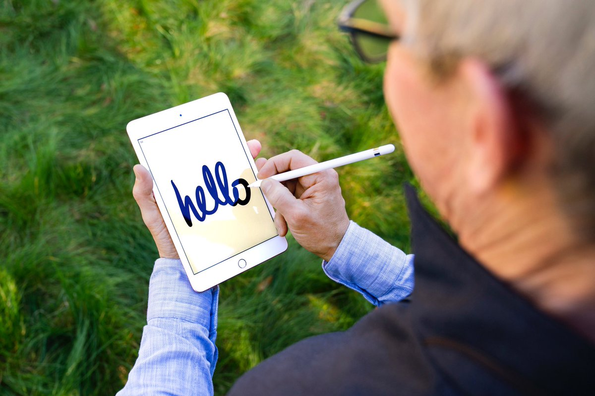 Say hello to this photo of Tim Cook writing on an iPad that was made to be meme'd