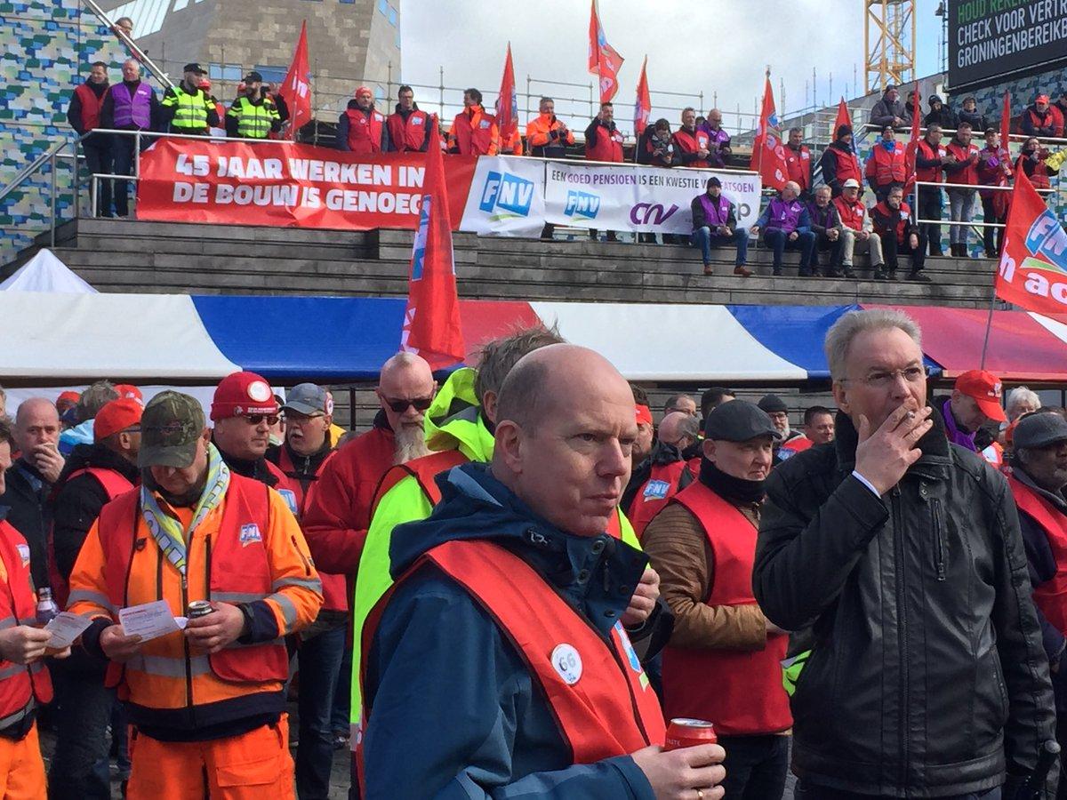 Na afloop manifestatie #goedpensioen acties in Groningen staan de 3500 deelnemers stil bij gebeurtenissen in Utrecht