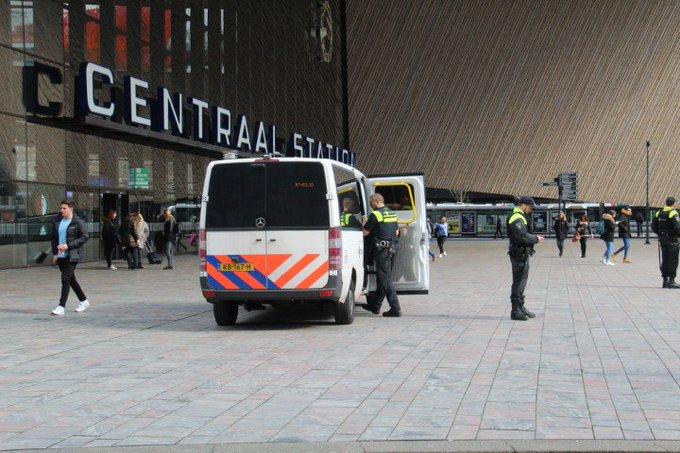 Maatregelen in regio Rotterdam na schietpartij Utrecht https://t.co/AZDN64Nqso https://t.co/nyBCN33Zye
