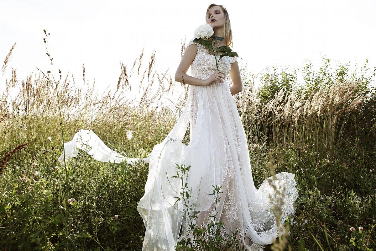 5909972ff3d8 ...  sayyestothedress  brudekjole  discount  scandinaviandesign  oslo   bride2019  norwegiandesign  dontmissout  engagedpic.twitter.com J3faB6feeP