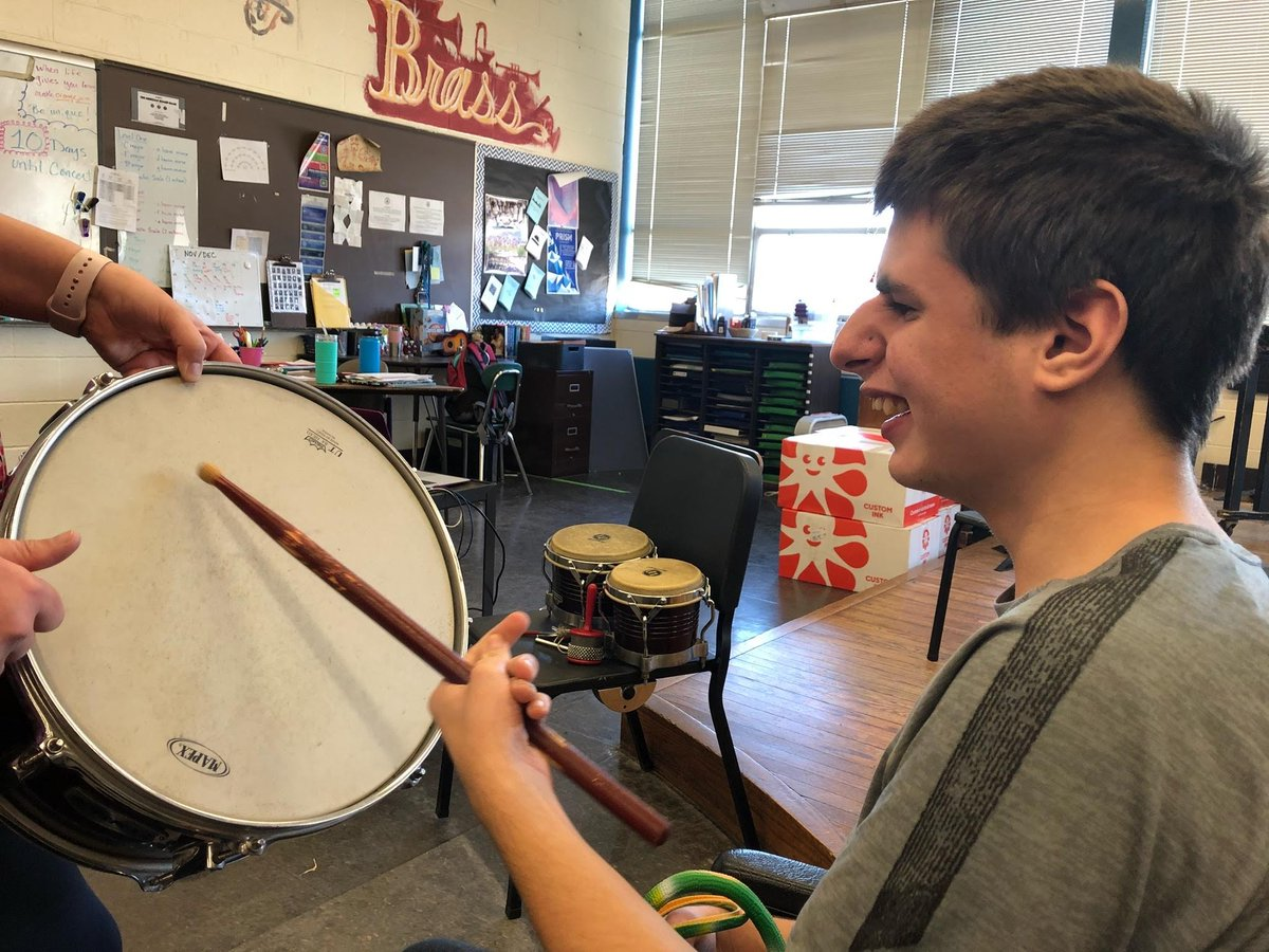 Music Appreciation at Attleboro High School is always the best part of our day! #musicdrivesus @attleboromusic @AHS_Bluepride <br>http://pic.twitter.com/WS7gS5lbkO