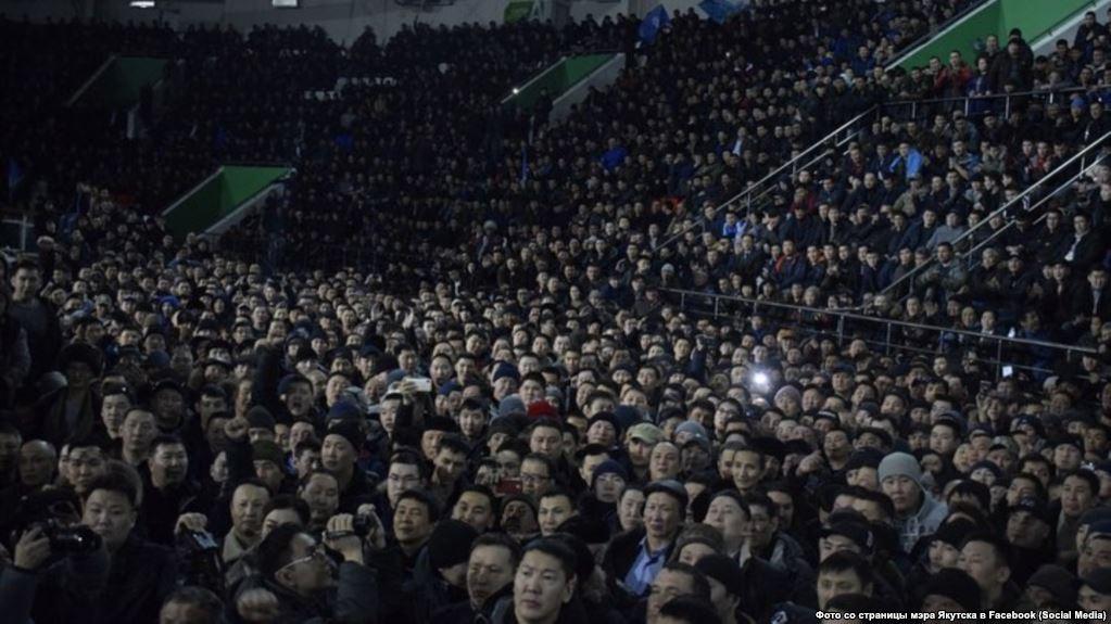 В Якутске прошло многотысячное собрание против мигрантов  https://t.co/7xqxP2lgQG https://t.co/UN9w3BPQZV