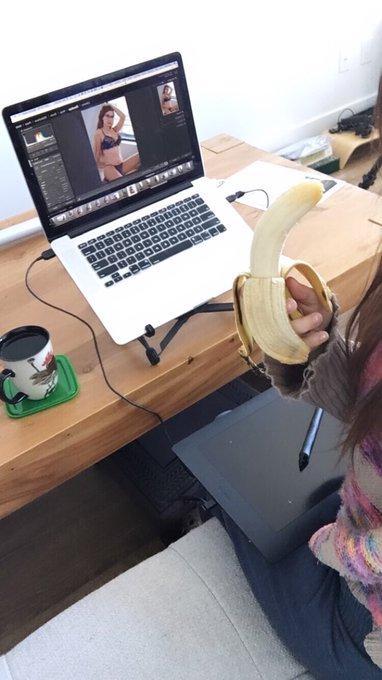 My banana likes @TheLaceyBloom https://t.co/hopl5tFUuC