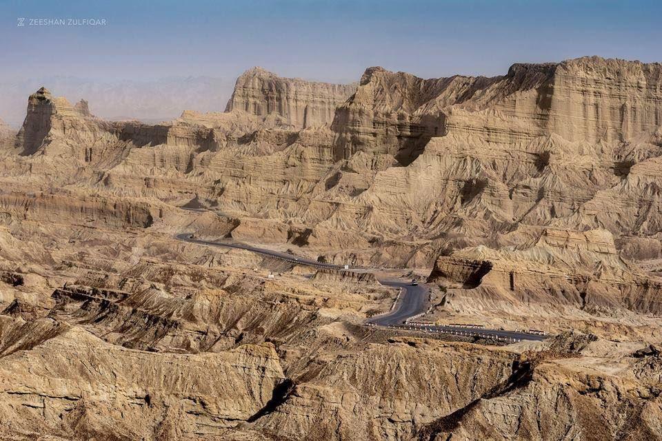 Stunning Makran Coastal Highway, Balochistan, Pakistan   Credits: Zeeshan Zulfiqar   #BeautifulPakistan #Travel<br>http://pic.twitter.com/GZA3ffqb59