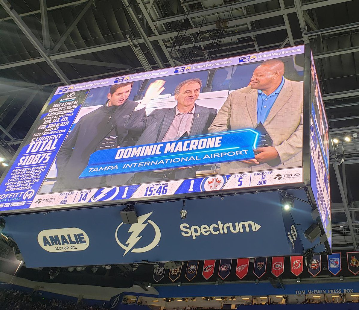 Last night, we were proud to accept the @UWSuncoast Spirit of Suncoast Award at none other than the @TBLightning game! The Hillsborough County Aviation Authority was selected as the 2018 award winner for it&#39;s exceptional commitment and investment to the community. <br>http://pic.twitter.com/BjWysUUYYL