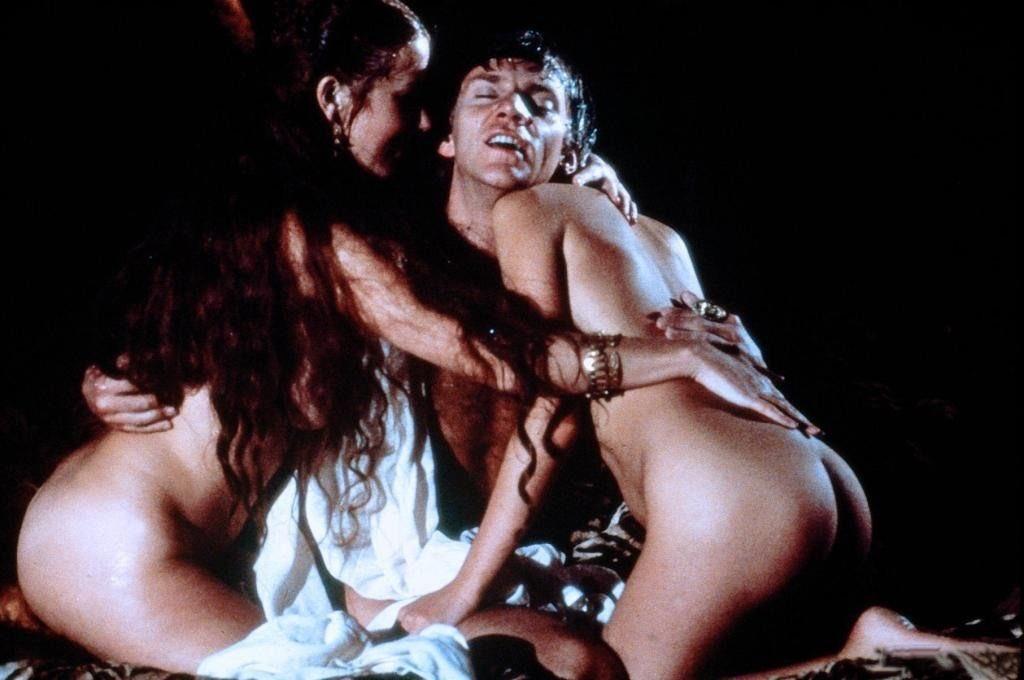 italiya-filmi-erotika-kaligula-ebet-tolstuyu-v-ochko