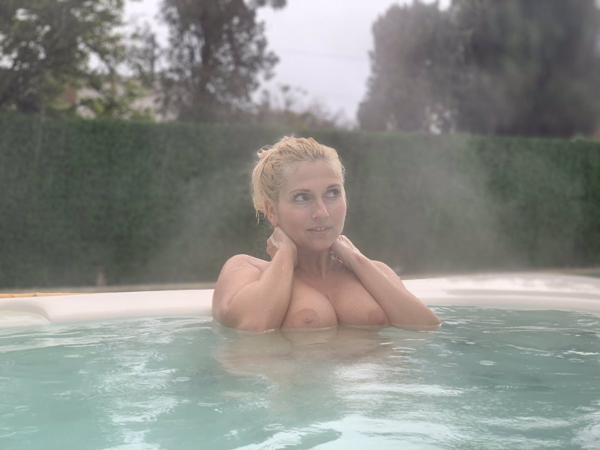 The best way to play in the hot tub is naked in the rain! Watch my new premium snap video at  http:// Fancentro.com/christiestevens  &nbsp;   #LArain @FANCentroTribe @FanCentro<br>http://pic.twitter.com/Nd0gdE6xk6